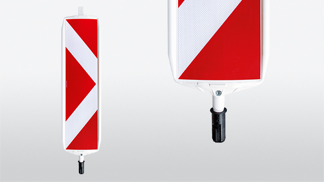 Safety standard beacon with rotating system and pull our-safety mechanism